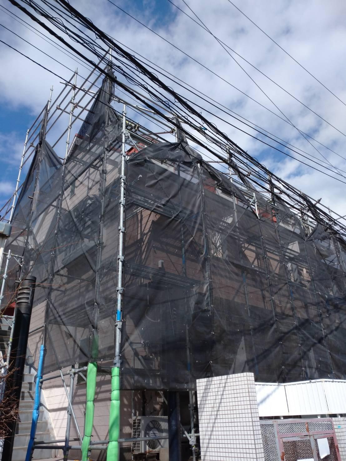 野崎工業 足場工事施工事例 神奈川県横須賀市津久井 屋根足場 外壁