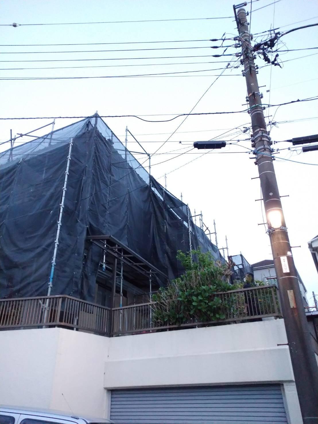 野崎工業 神奈川県横浜市栄区               足場工事施工事例                                         外壁塗装 雨樋交換工事