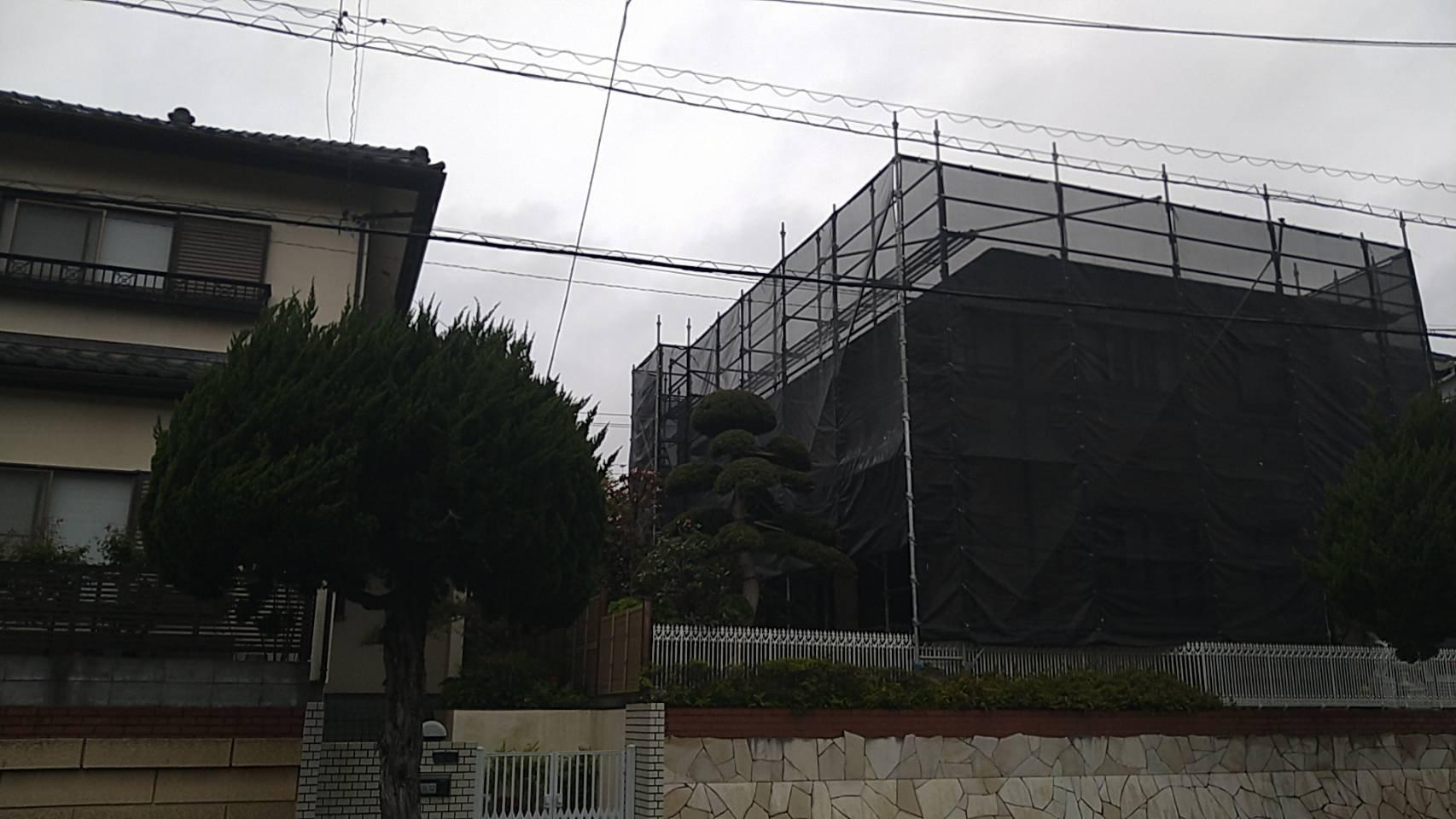 野崎工業 神奈川県横須賀市馬堀海岸 足場工事 施工事例                           外壁、屋根塗装用足場