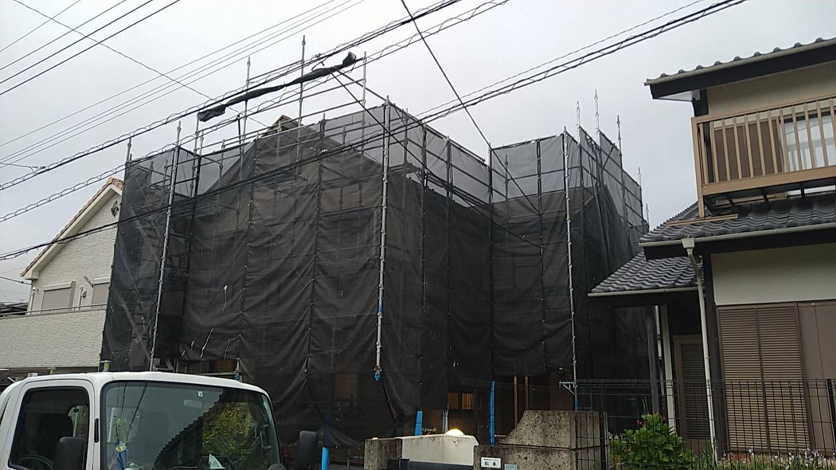 野崎工業 神奈川県横須賀市ハイランド 足場工事 施工事例                  屋根葺き替え用足場