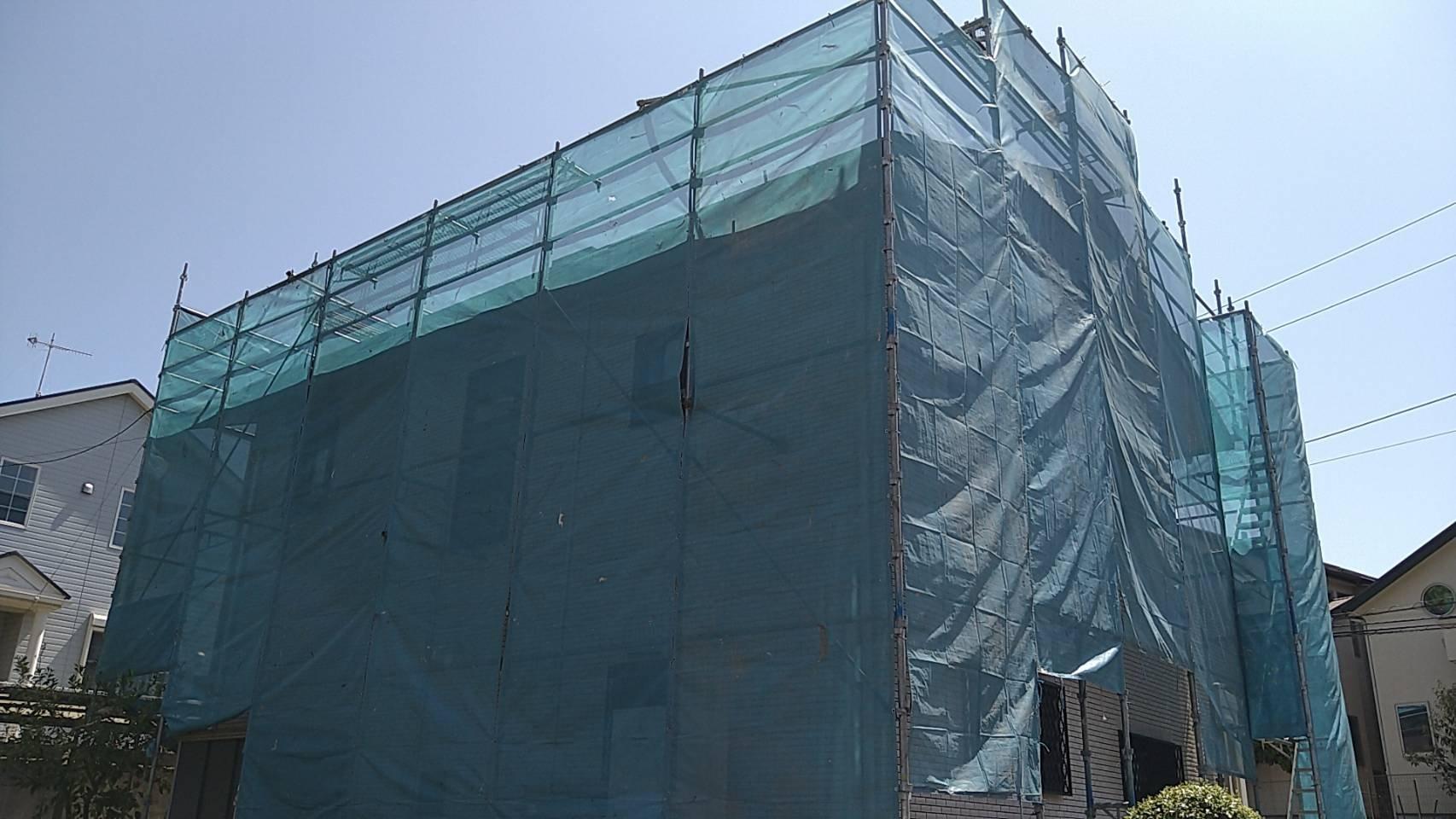 野崎工業 神奈川県海老名市                 足場工事 施工事例                                   屋根塗装用足場