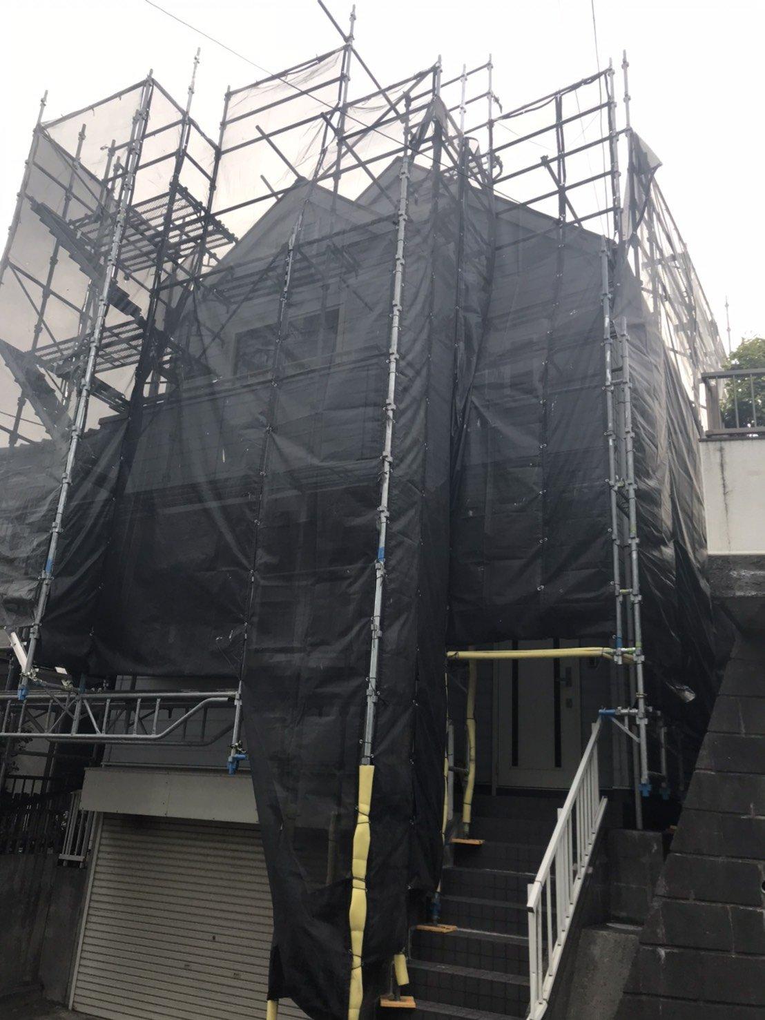 野崎工業 神奈川県横須賀市根岸町 足場工事 施工事例                        屋根足場 外壁塗装