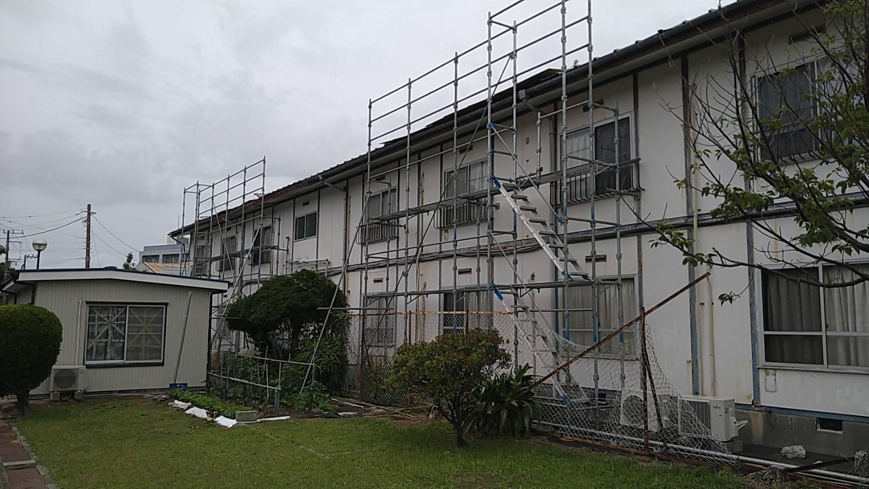 神奈川県三浦市 足場工事 施工事例  屋根工事用足場