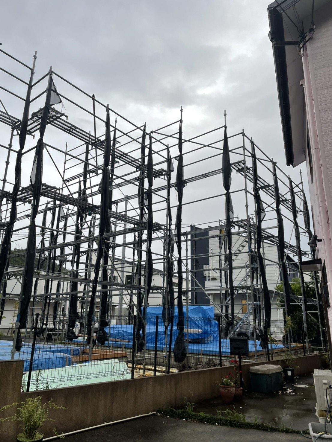 神奈川県三浦郡葉山町 足場工事施工事例 新築先行足場