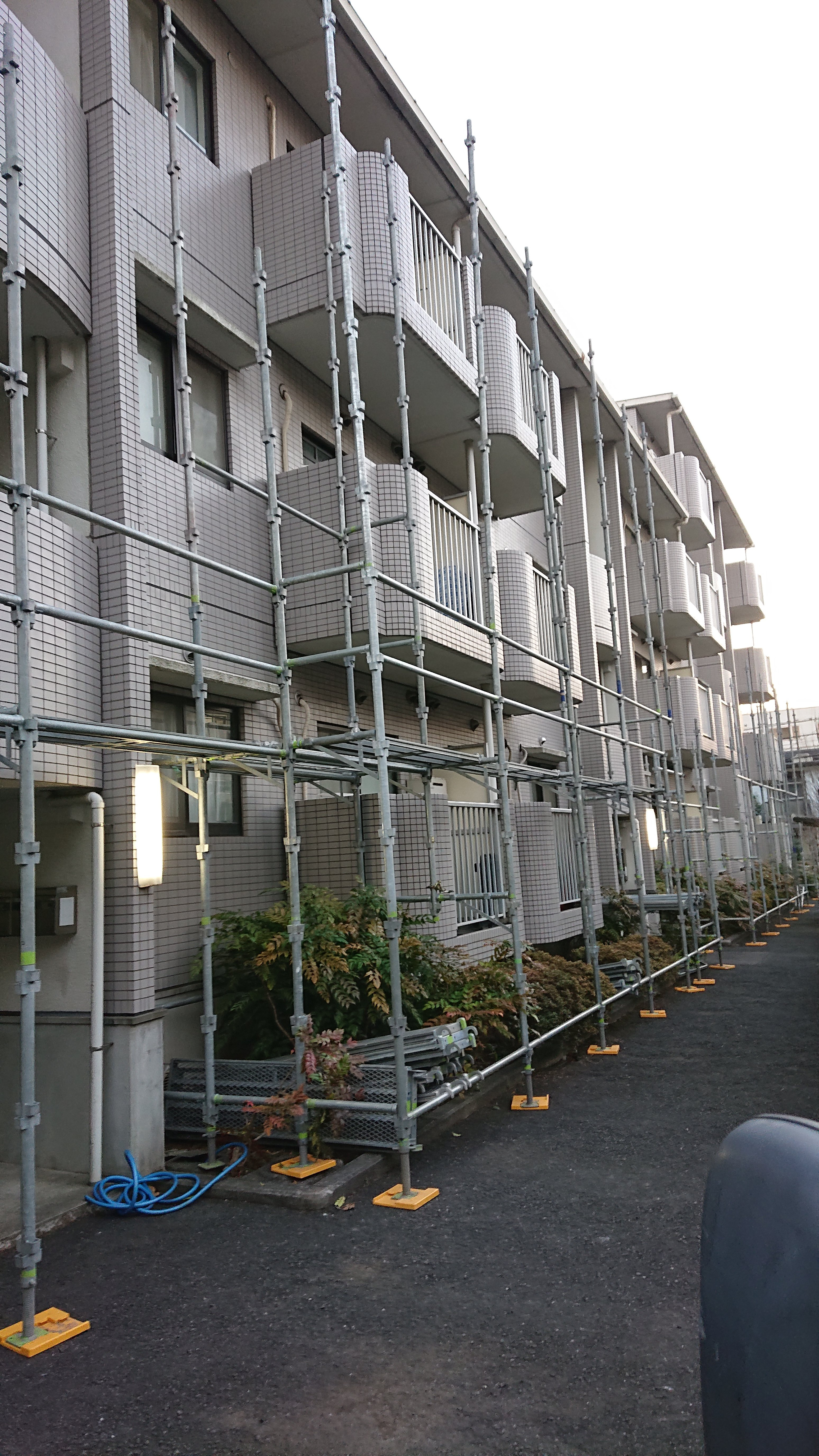 野崎工業 川崎市麻生区 修繕工事足場 施行事例